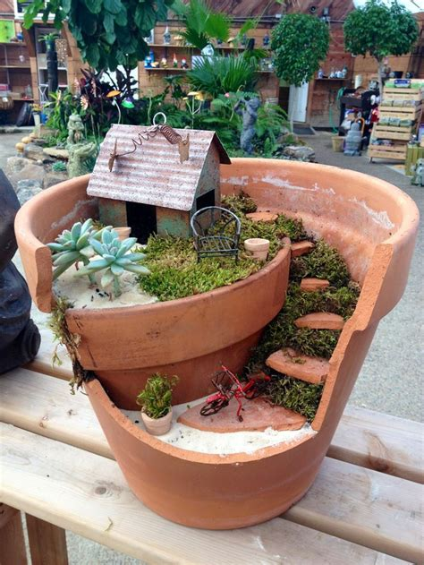 20 Lovely Fairy Gardens Made From Broken Pots - Page 2 of 3