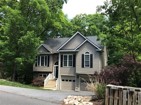 Huge house at Massanutten with hot tub, pool table, 6