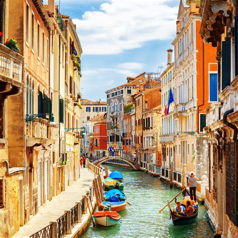 Planning a Trip to Venice, Italy - Best Travel Tips - MustGo