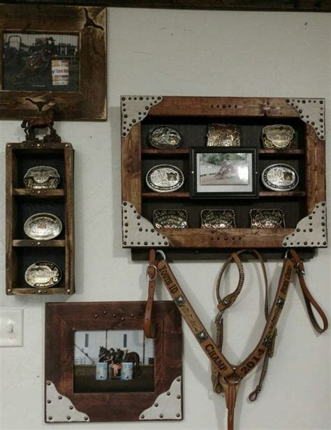 Belt BUCKLE Display Case with 5x7 Picture Frame and AWARD